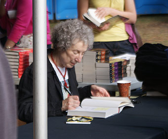 Margaret Atwood autographs The Year of the Flood